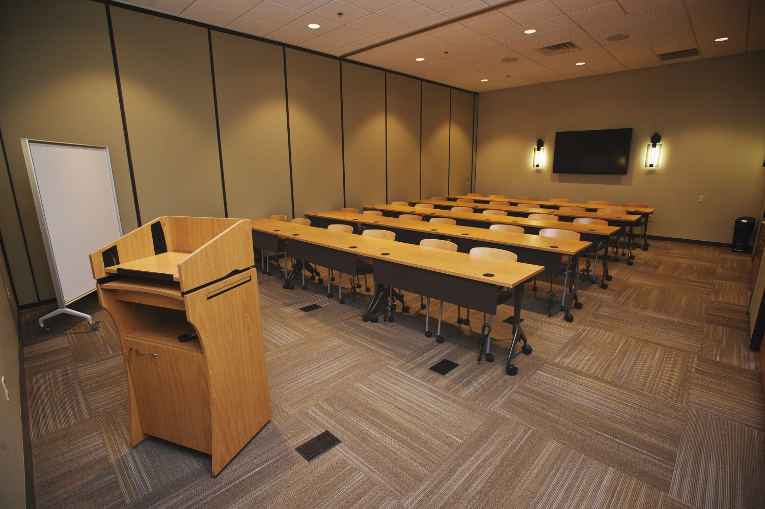 Small event space, find business meeting spaces in Brentwood, TN at Envision Conference Center.